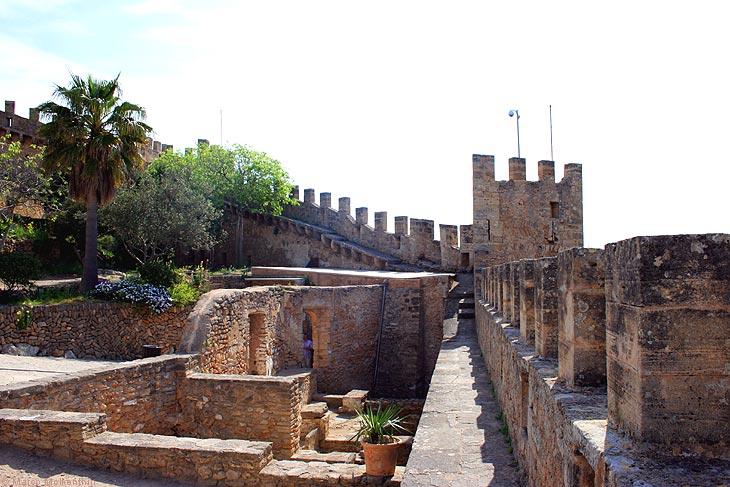 Festungsmauer des Castell de Capdepera, Mallorca